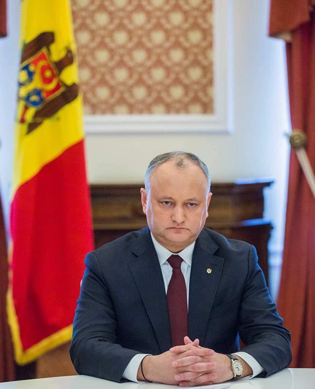 Додон предупреждает чиновников: Либо работа на благо страны, либо уход в политическое небытие