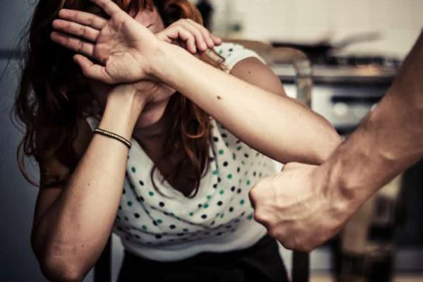 Жертв домашнего насилия призывают обращаться в полицию