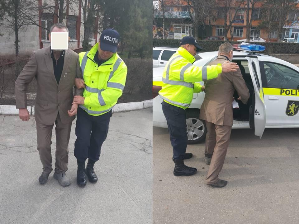 Сотрудники полиции нашли пропавшего три дня назад мужчину и сопроводили его домой (ВИДЕО)