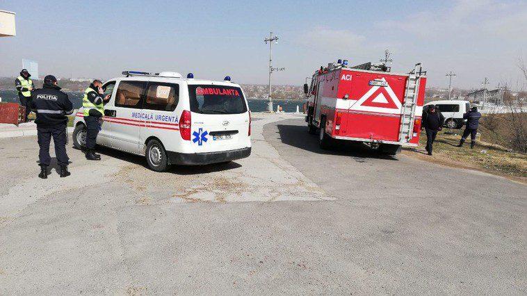 В Дубоссарах ветер повалил полицейский вагончик: два человека – в больнице (ФОТО)
