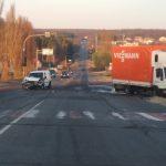Утренняя авария на Балканском шоссе: столкнулись легковушка и грузовик