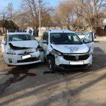 ДТП в Комрате: дорогу не поделили Dacia и Toyota (ФОТО)