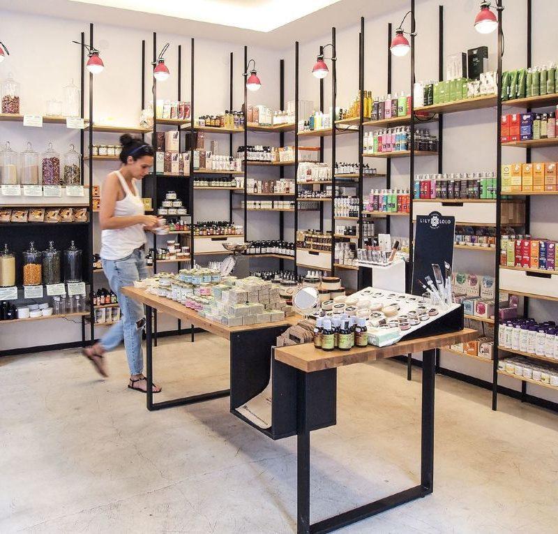 """Защита прав потребителей: """"вредные"""" парфюмерно-косметические средства обнаружены на рынке (ФОТО)"""