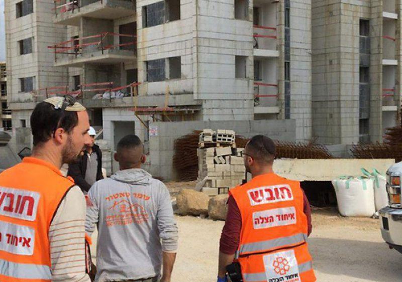 Работавший в Израиле молдаванин погиб на стройке, сорвавшись с 6-го этажа