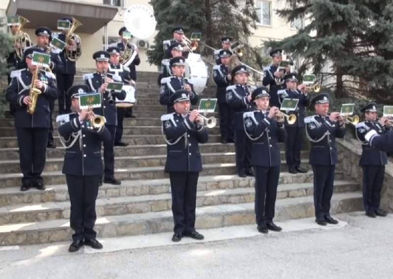 Оркестр Пограничной полиции исполнит гимн Франции и Молдовы на открытии футбольного матча (ВИДЕО)