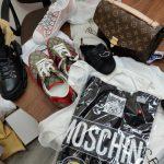 Одежда, обувь аксессуары — очередную партию контрабанды изъяли сотрудники Таможенной службы (ФОТО, ВИДЕО)