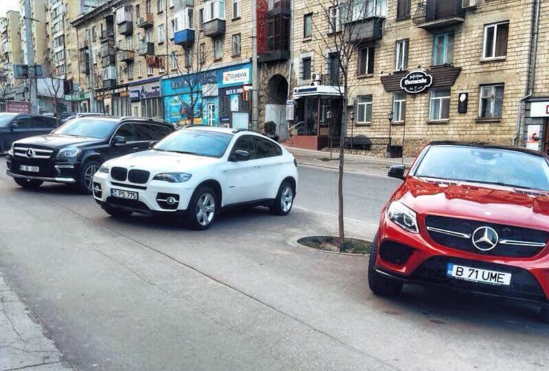 В период пасхальных праздников парковку на некоторых столичных улицах ограничат