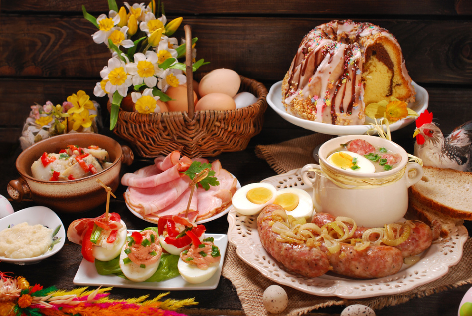 Специалисты рассказали, как выбрать мясо, яйца и кулич на пасхальный стол