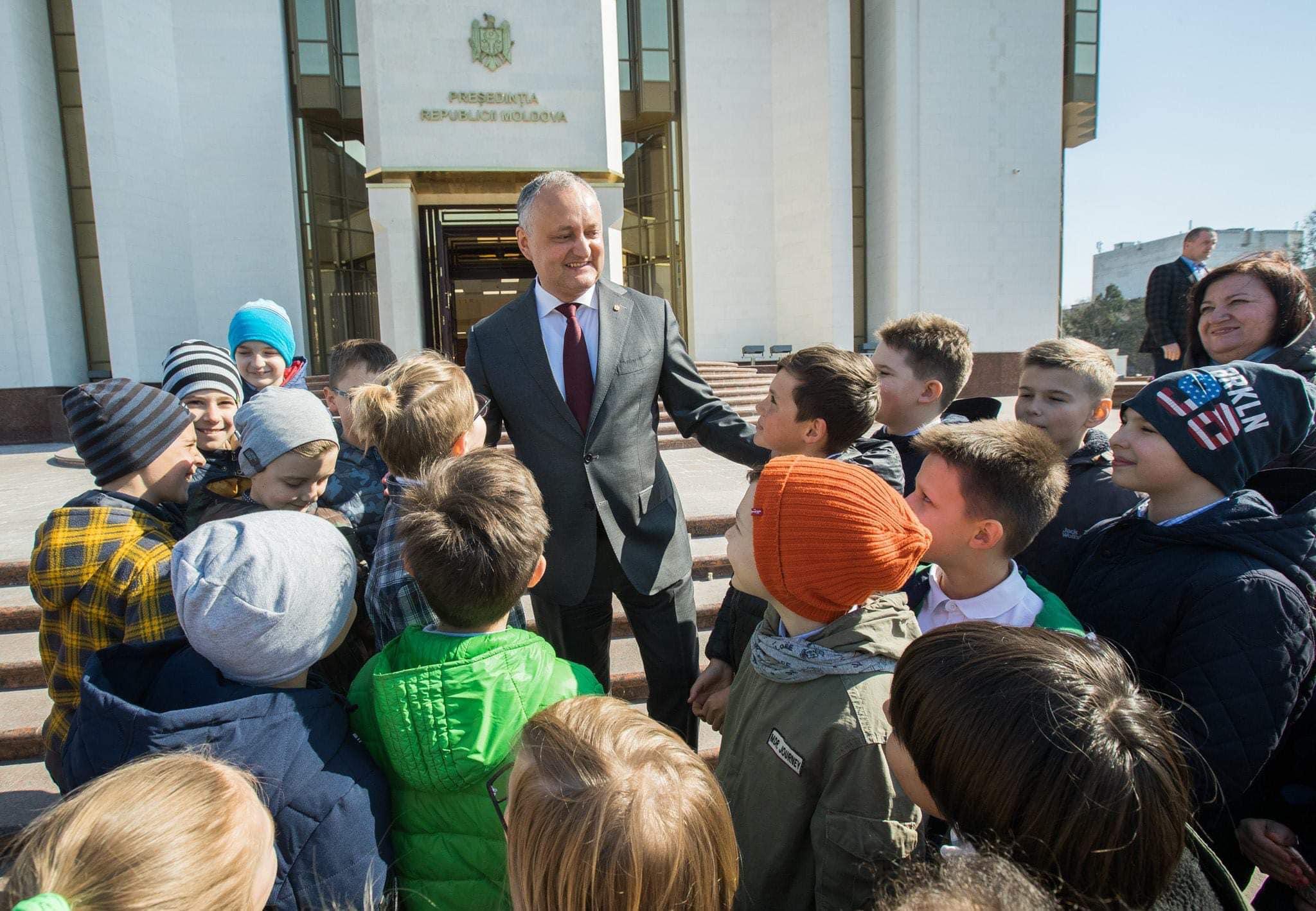 Дни открытых дверей в президентуре: всего за три месяца здание посетили уже несколько тысяч человек (ФОТО)
