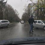 Авария на Рышкановке: на мокрой дороге столкнулись два легковых авто