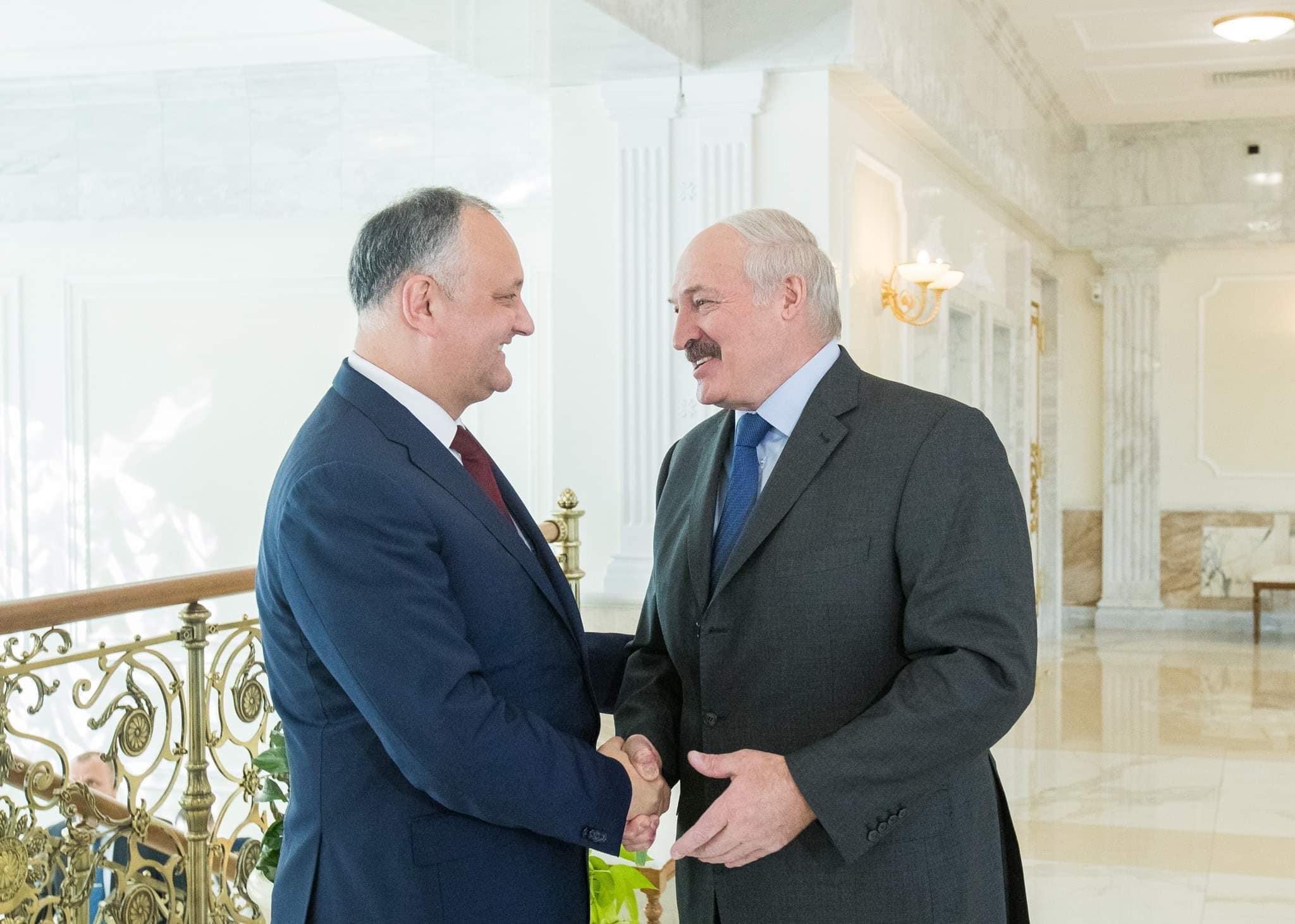 Додон поздравил Лукашенко с Днем независимости Беларуси
