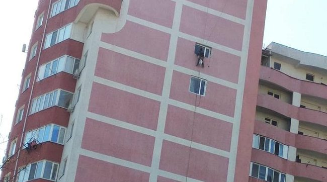 С незаконными пристройками покончено: теперь владельцы квартир переходят на новый этап беззакония (ФОТО)