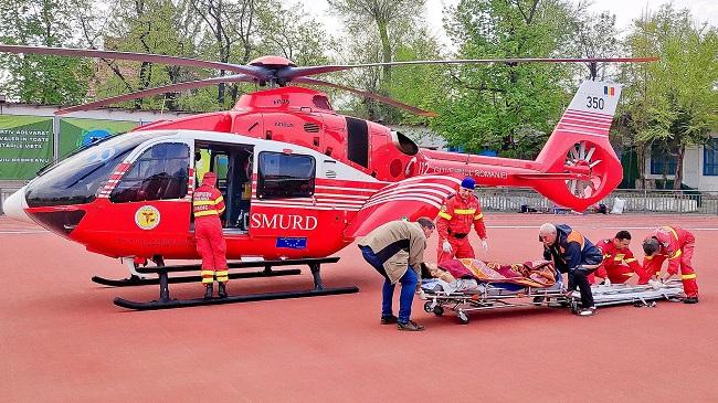 Экипаж SMURD доставил в Кишинёв пострадавшего в ДТП молодого мужчину (ФОТО, ВИДЕО)