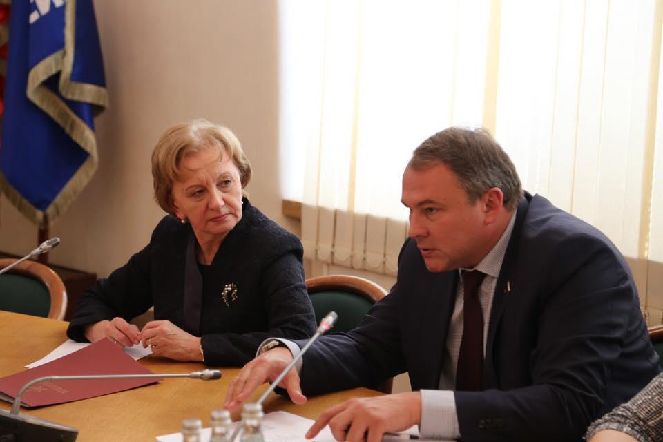 Фракция ПСРМ в Москве обсудила вопросы межпарламентского и межфракционного сотрудничества с руководством Госдумы (ФОТО)