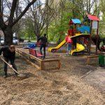 Стараниями социалистов на Ботанике появилась еще одна новенькая детская площадка (ФОТО)