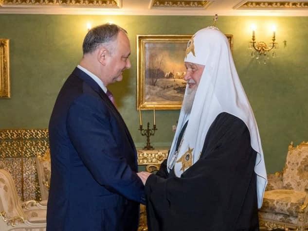 Додон поздравил патриарха Кирилла с великим праздником Воскресения Христова