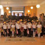 Сотрудники ГИЧС провели урок безопасности для детей в Единцах