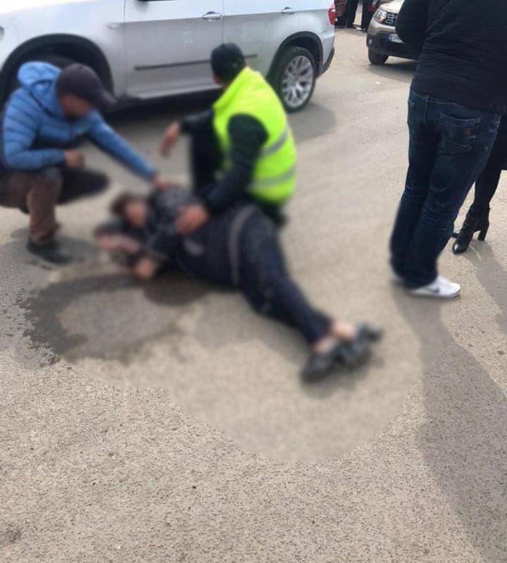 В Дрокии машина сбила перебегавших дорогу мать и дочь