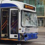 В аварии с участием троллейбуса №22 пострадали ребенок и его мать