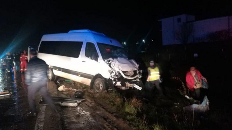 Маршрутка с гражданами Молдовы попала в ДТП в Яссах: 8 человек ранены, 2 – в тяжелом состоянии