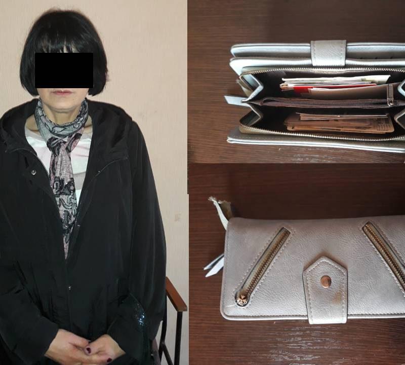 Рецидивистку, укравшую у пассажирки столичной маршрутки кошелёк, задержали с поличным (ВИДЕО)