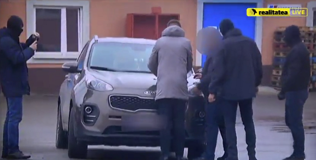 (ОБНОВЛЕНО) В Молдове обезврежены сразу 4 преступные группировки, связанные между собой сотрудником МВД (ВИДЕО)
