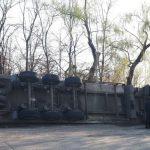 ДТП в Дрокии: на дороге перевернулась фура (ФОТО)