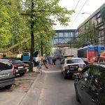 Внимание, водители! На оживлённой улице в центре столицы возникла пробка из-за замены опор