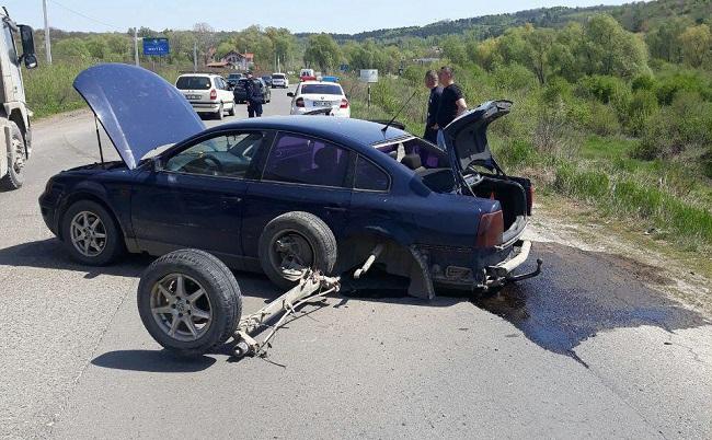 На трассе Кишинёв-Будешты произошла серьёзная авария: на место происшествия прибыли патрульные (ВИДЕО)