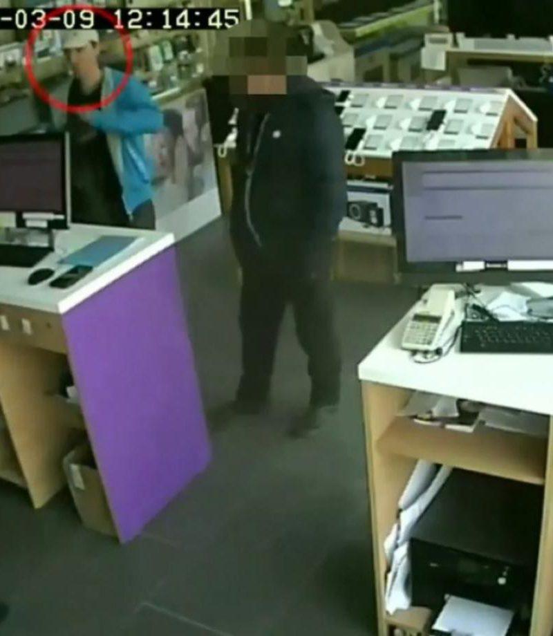 Бельцая полиция просит граждан помочь в поиске подозреваемого в краже (ВИДЕО)