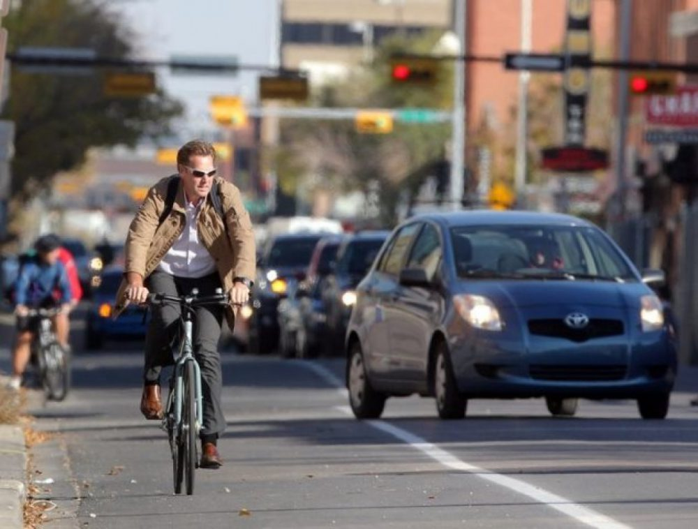 В полиции напомнили о правилах, предъявляемых к велосипедистам и водителям мопедов