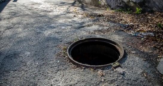 Жительница Бельц провалилась в канализационный люк