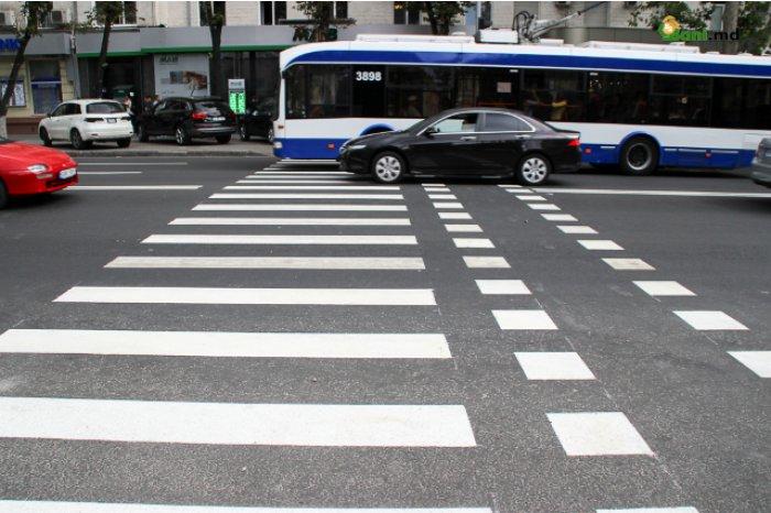 В столице стартовали работы по нанесению дорожной разметки: улицы будут окрашены в три цвета