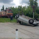 В столице поезд протаранил машину: момент попал на видео (ФОТО)