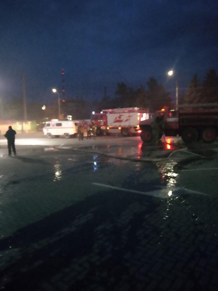 В Бельцах загорелся торговый центр (ФОТО, ВИДЕО)