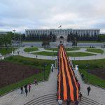 75 метров в честь 75-летия освобождения Молдовы: в центре столицы торжественно развернули георгиевскую ленту (ФОТО)