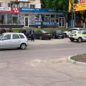 В Кишинёве два водителя подрались посреди улицы: на место прибыла скорая помощь и полиция (ВИДЕО 18+)
