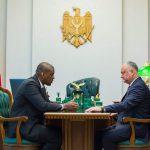 Додон провел встречу с послом США в Молдове (ФОТО, ВИДЕО)