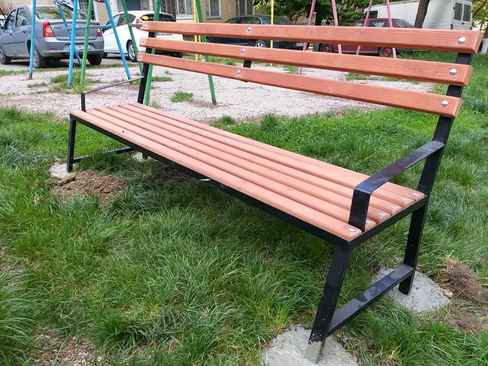 Инициативы ПСРМ – в действии: на Ботанике в мае появятся 135 новых скамеек, а во всему городу до конца года – 700