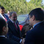 Депутат ПСРМ пообщался с премьер-министром Армении на праздновании Дня Первой Армянской Республики