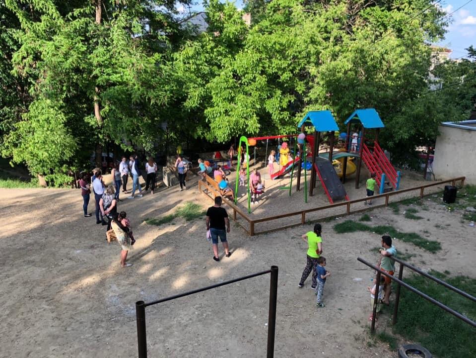 Еще одна новая детская площадка появилась на Ботанике (ФОТО)