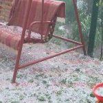 Сильный ливень с градом прошёл в Унгенах (ФОТО)