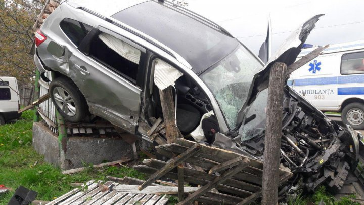 Жуткое ДТП в Хынчештах: пассажирка тяжело ранена (ФОТО)