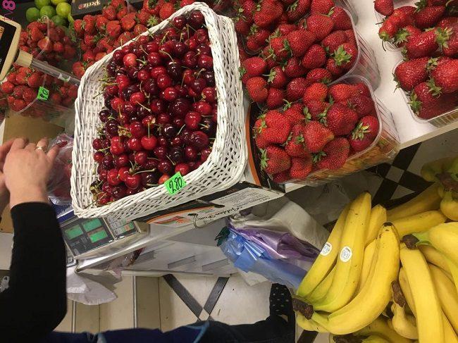 Новый удар по кошелькам! Цены на недефицитную в Молдове черешню достигают 280 леев (ФОТО, ВИДЕО)