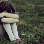 В Шолданештах отец избил свою 12-летнюю дочь до больничной койки за то, что сосед-извращенец показал ей свои половые органы