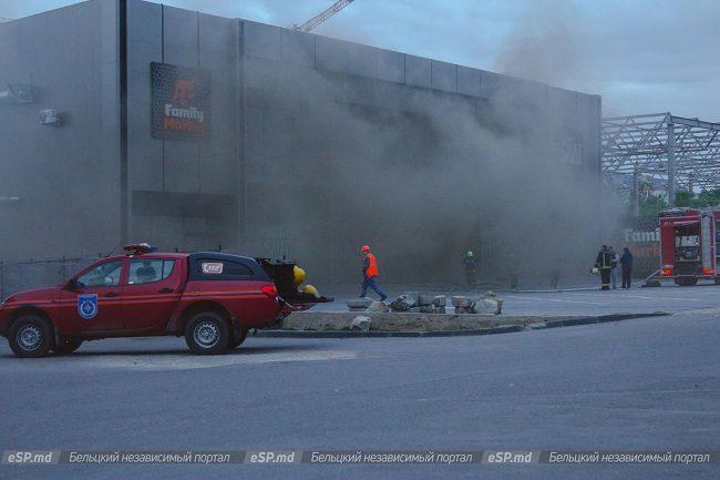 Стала известна причина крупного пожара в супермаркете в Бельцах