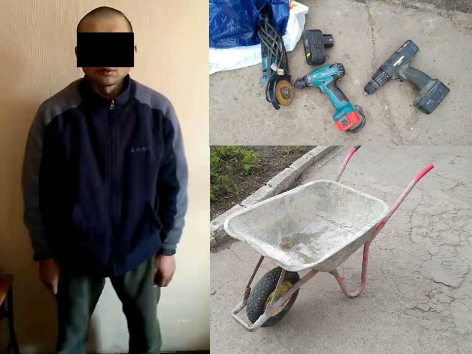 В столице вор украл инструменты и попал на камеры наблюдения (ВИДЕО)