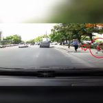 В шаге от трагедии: в столице женщина спасла ребёнка, едва не попавшего под колёса авто (ВИДЕО)