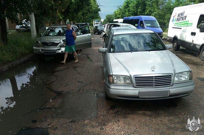 В Тирасполе в результате двух ДТП были повреждены 4 автомобиля (ФОТО)