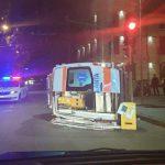В результате ДТП в центре столицы перевернулась машина скорой помощи, в которой находился пациент (ВИДЕО)